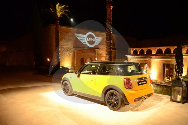 MINI COOPER // AUTOMOTIVE